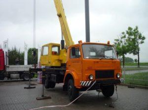 10 ton wysięg podstawowy 15 m